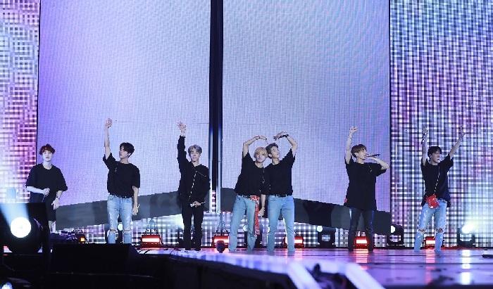 BTS WORLD TOUR「LOVE YOURSELF」~JAPAN EDITION~ at 福岡ドームを自宅のテレビで視聴する方法はコレしかない!
